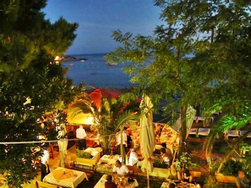 hotel-obala-rafailovici-restoran-3_9477.jpg