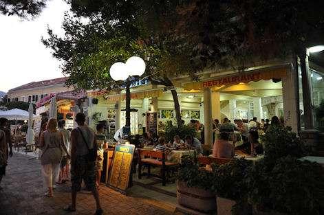 rafailovici-restoran-obala-leto-2013-5_3312.jpg