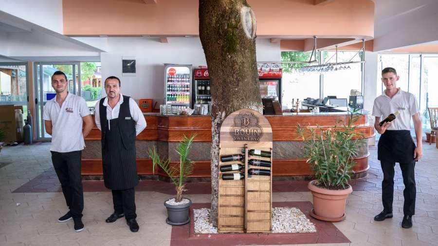 restaurant4n_5936.jpg