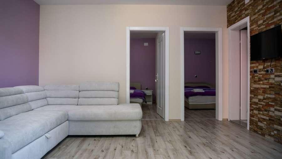 rooms2n_9328.jpg