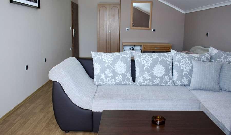 rooms2_5704.jpg